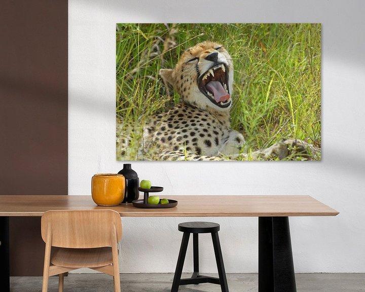 Sfeerimpressie: Cheetak yawning van Peter Zwitser