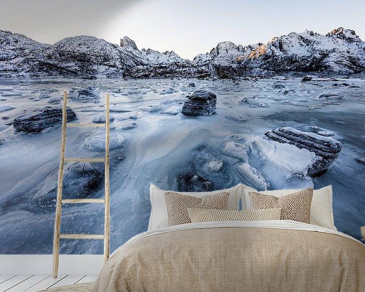 Sfeerimpressie behang: Bevroren Fjord - Vetserålen, Noorwegen van Martijn Smeets
