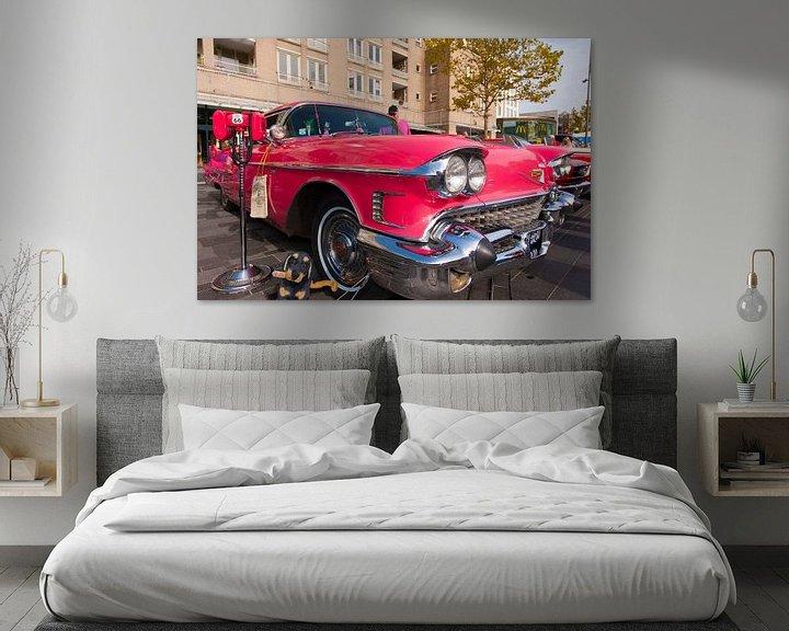 Sfeerimpressie: Cadillac Pink van Brian Morgan
