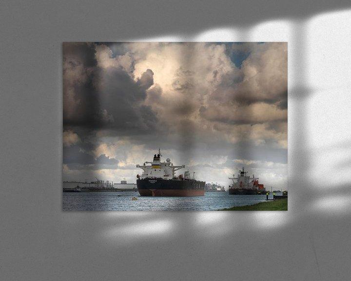 Sfeerimpressie: Tankers in de Rotterdamse Haven van Frans Rutten
