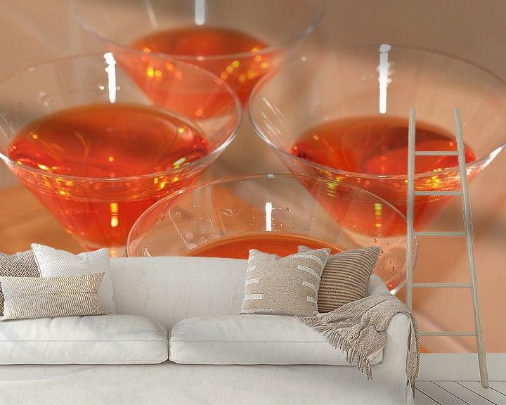 Sfeerimpressie behang: Oranje drankjes -wijnglazen van Ronald Smits