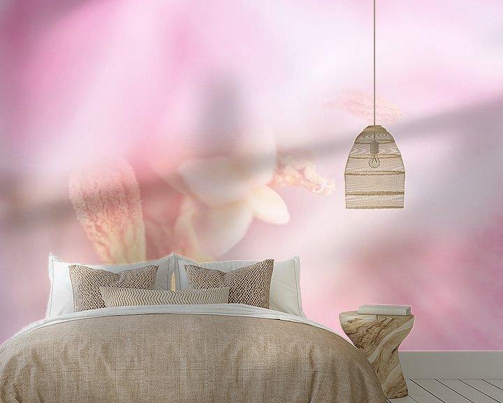 Sfeerimpressie behang: Tulp van Erna Böhre