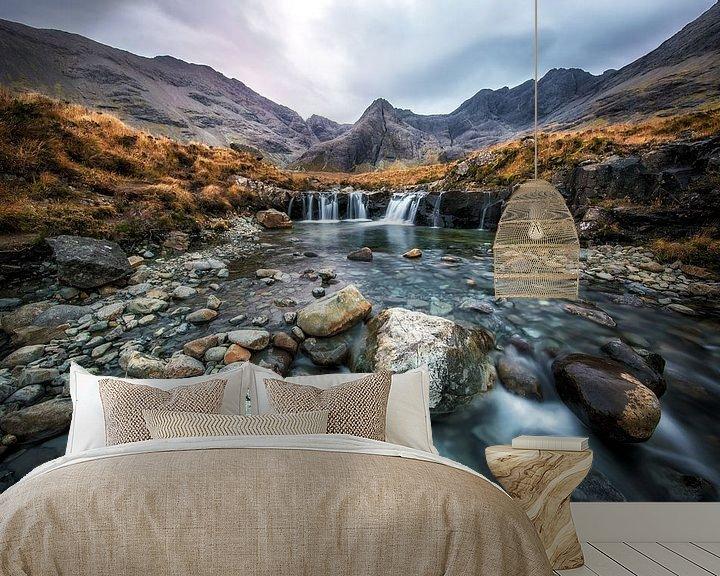 Sfeerimpressie behang: Fairy Pools Schotland van Steven Dijkshoorn