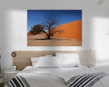 NAMIBIA ... Namib Desert Tree III van Meleah Fotografie