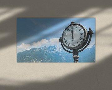 Jugenstil klok aan het Gardameer. van Fotografiecor .nl