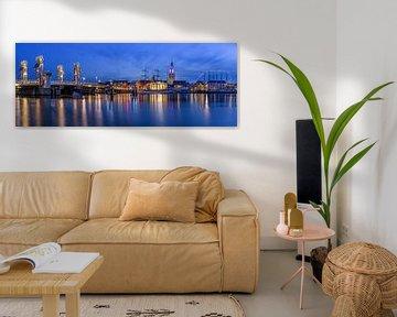 Panorama Skyline Kampen in het blauwe uur