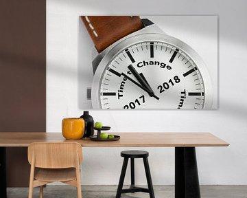 Horloge met tekst Time to Change 2017 2018 van Tonko Oosterink