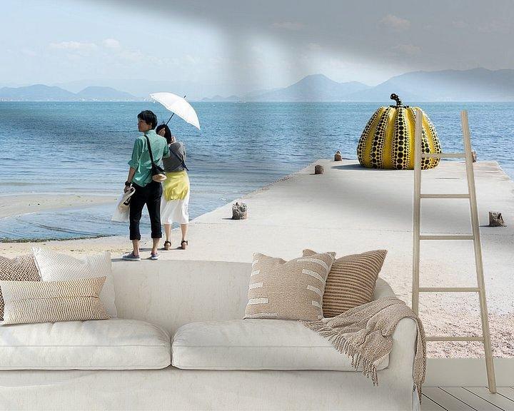 Sfeerimpressie behang: Pompoen aan zee van Marijn Kuijper