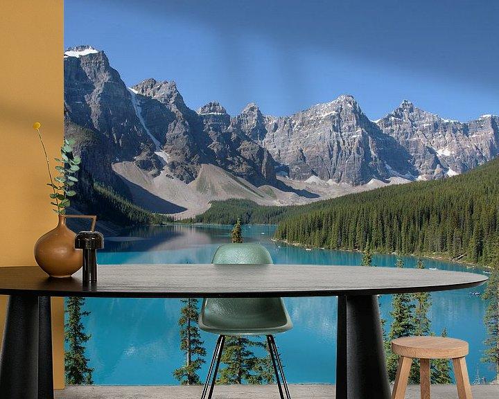 Beispiel fototapete: Morraine Lake in de Canadese Rocky Mountains von Arjen Tjallema