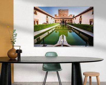De Nasrid paleizen in het Alhambra van Granada van Fotografiecor .nl