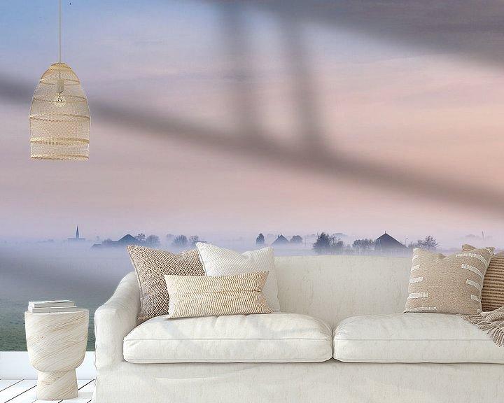Sfeerimpressie behang: Wormer in nevel van Pieter Struiksma