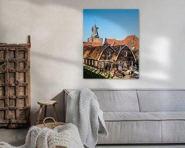 Blick auf die Häuser und das Eingangstor zur IJsselmeerstadt Elburg von Harrie Muis