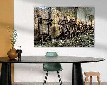 Urbex, Kruiwagens op een rij van Harmen Goedhart