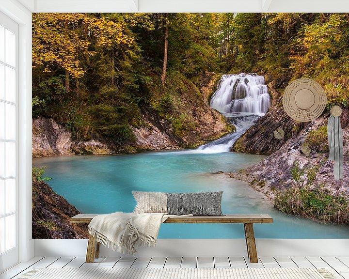 Sfeerimpressie behang: Waterval bij Wallgau van Sander Poppe