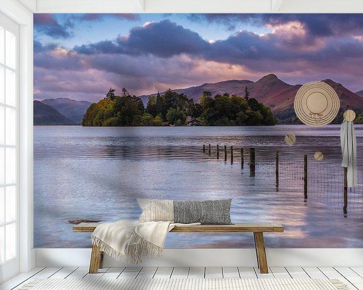 Sfeerimpressie behang: Derwent Water bij Keswick van Sander Poppe