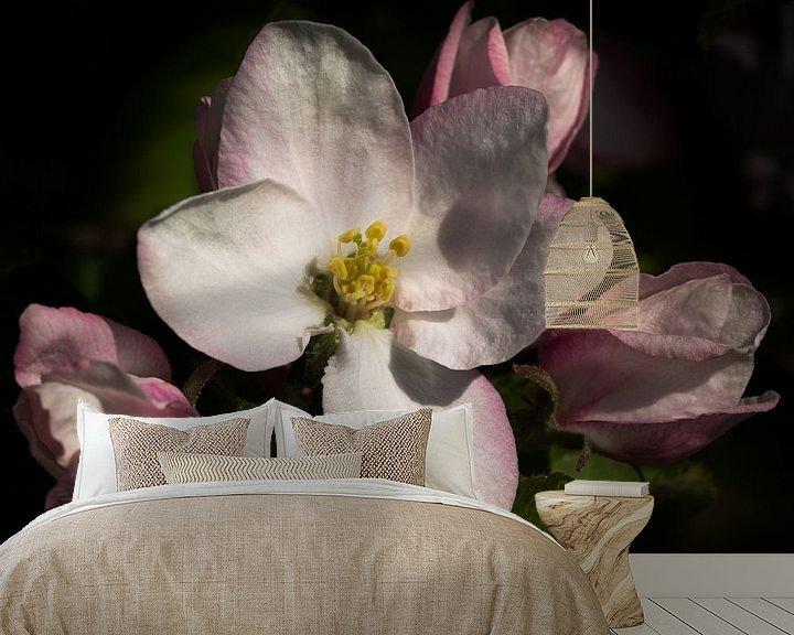 Sfeerimpressie behang: Appelbloesem - Apple blossoms van Leo Langen