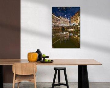 Sfeervol Utrecht, avondfotografie aan de Oude Gracht met uitzicht op de Stadhuisbrug von Ad Jekel