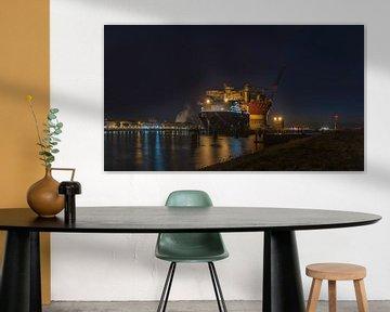 Olieplatform in Rotterdam von Dick van der Wilt