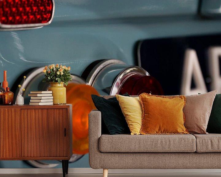 Sfeerimpressie behang: Citroën Ami6 achterlicht detail van Sim Van Gyseghem