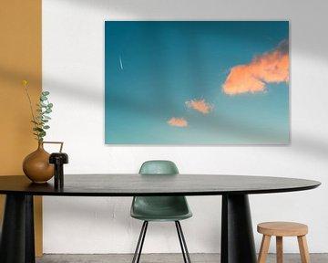 3 wolken en 1 vliegtuig van Reno  van Dijk