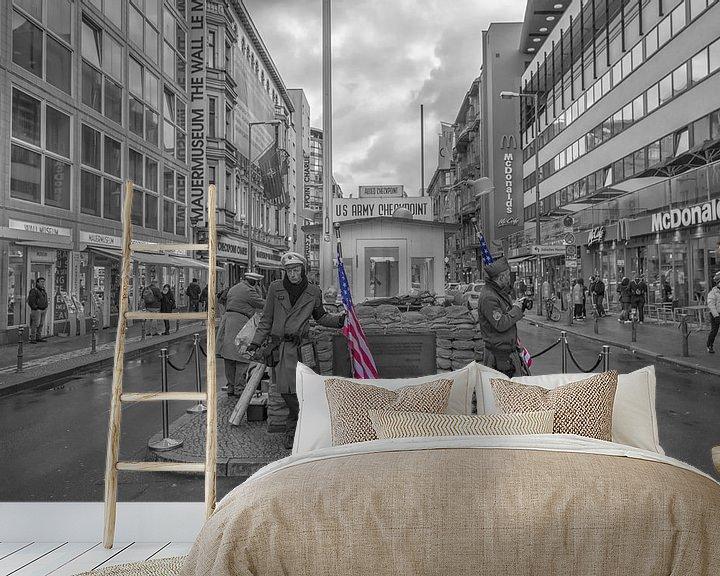 Sfeerimpressie behang: Checkpoint Charlie Berlijn van FotoAmsterdam / Peter Bartelings