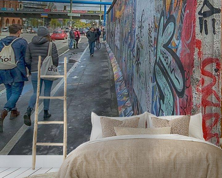 Sfeerimpressie behang: Eastside Berlijnse muur van Foto Amsterdam / Peter Bartelings