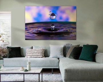 Blauwe waterdruppel van Alexander van der Sar