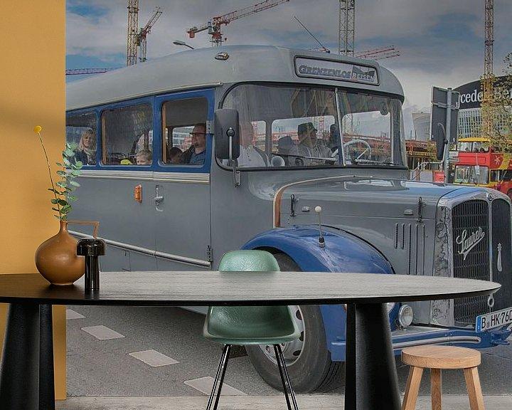 Sfeerimpressie behang: Autobus in Oost-Berlijn van Foto Amsterdam / Peter Bartelings