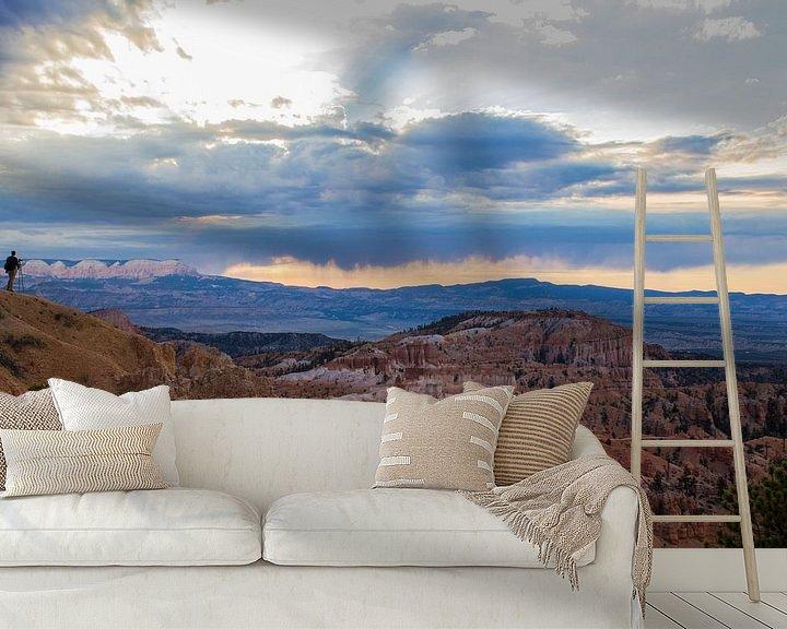 Sfeerimpressie behang: Zonsopgang in Bryce Canyon van Ilse Schoneveld