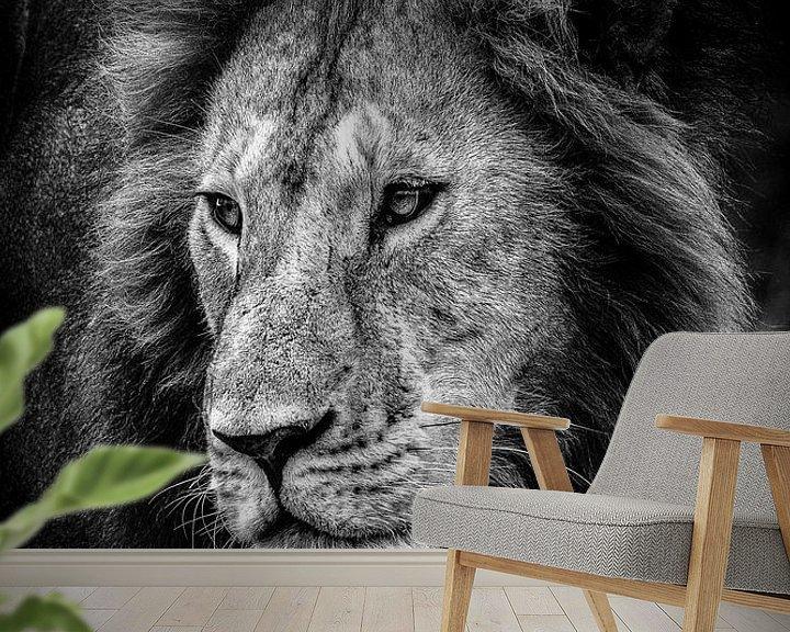 Sfeerimpressie behang: De koning van de dieren van jowan iven