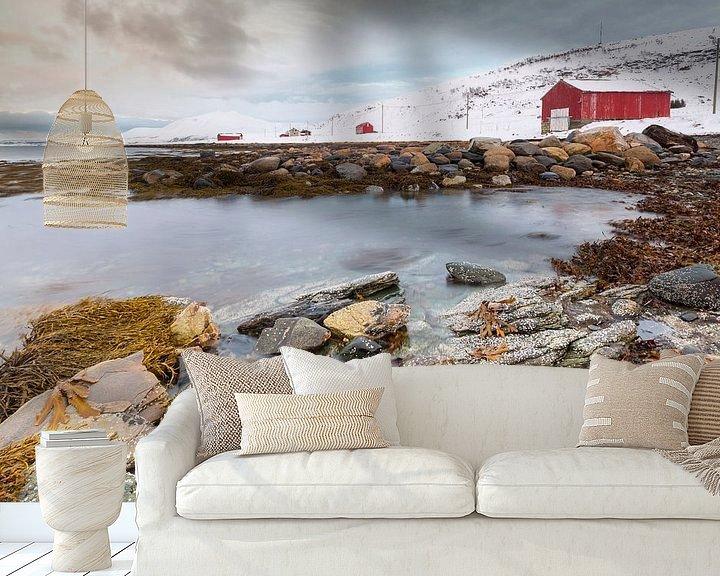 Sfeerimpressie behang: Huizen aan Noorse kust van Sander Meertins