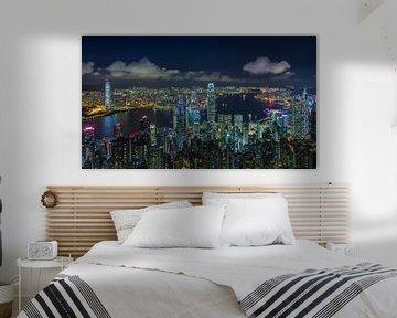 Hong Kong bei Nacht von Tom Uhlenberg