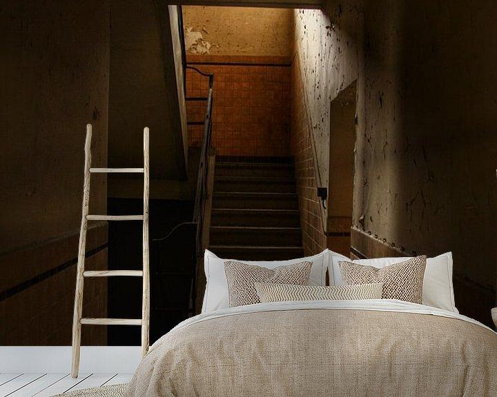 Sfeerimpressie behang: Een oude trap in een verlaten gebouw van Melvin Meijer