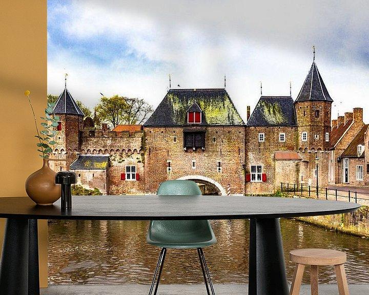Sfeerimpressie behang: Amersfoortse Koppelpoort van Jellie van Althuis