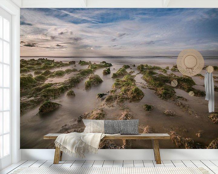 Sfeerimpressie behang: Zee Landschap van Jacqueline Lopez Perez