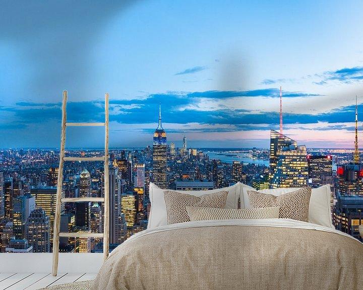 Sfeerimpressie behang: Skyline New York (Manhattan) bij Avond van Frenk Volt