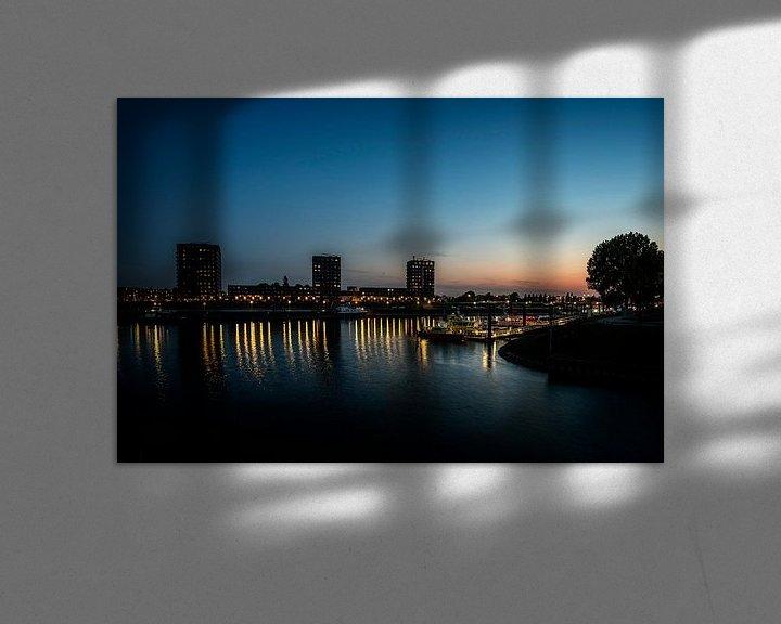 Sfeerimpressie: Haven Nijmegen bij avondlicht van Hans Hebbink