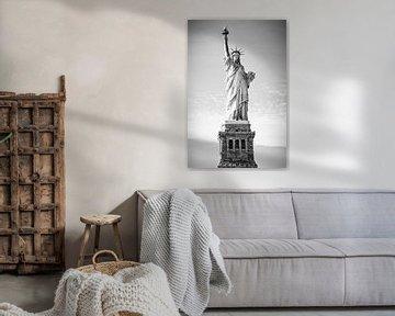 Vrijheidsbeeld in New York (zwart-wit) van Mark De Rooij