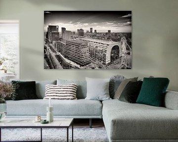Skyline Rotterdam met de Markthal en Blaak (zwart-wit) von Mark De Rooij