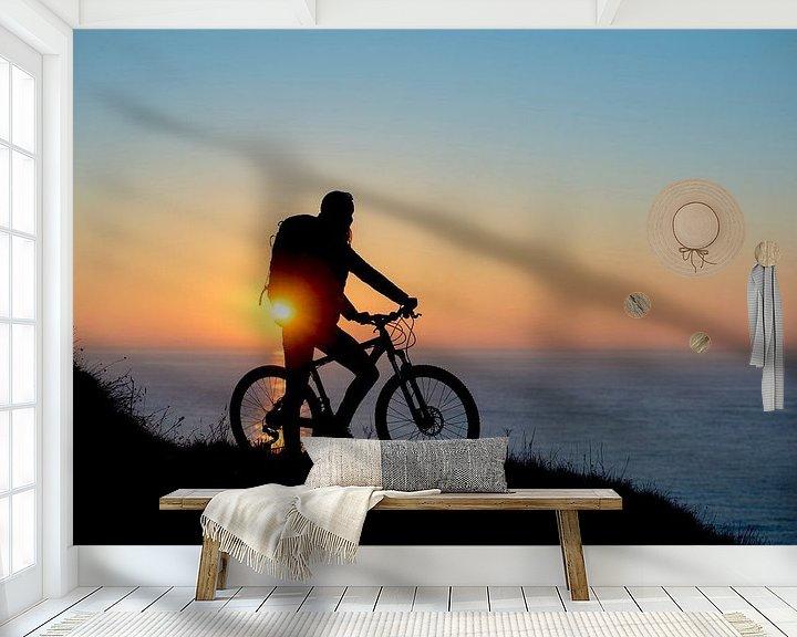 Sfeerimpressie behang: Bike at sea van Ruben Dario