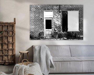 Deur en muur in zwart wit van Marcel Rommens