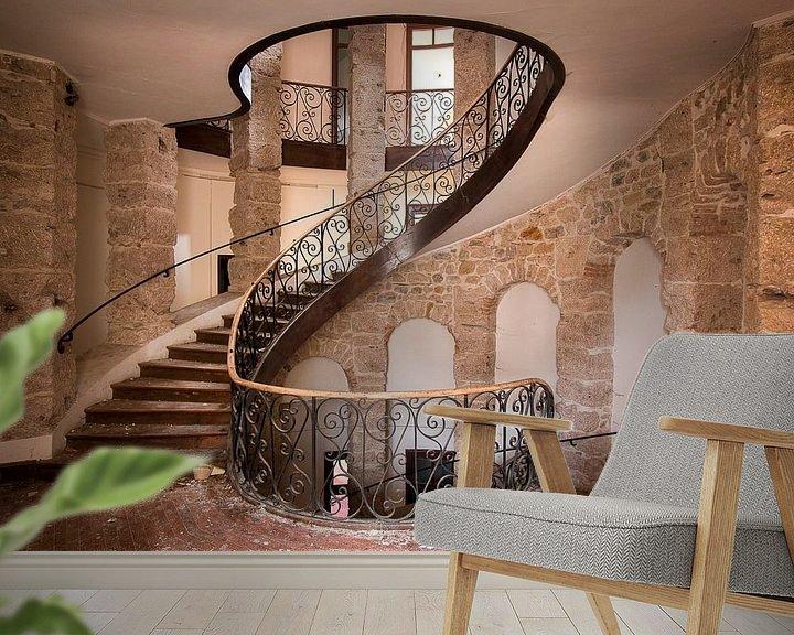 Beispiel fototapete: Verlassene Treppe im Schloss. von Roman Robroek