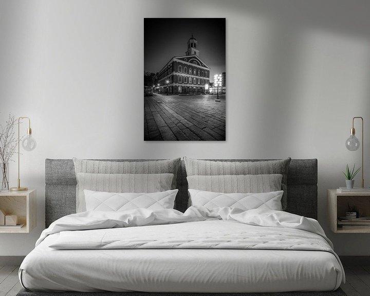 Sfeerimpressie: BOSTON Faneuil Hall 's nachts   monochroom van Melanie Viola