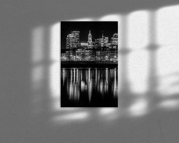 BOSTON Abendliche Skyline von North End & Financial District | Monochrom von Melanie Viola