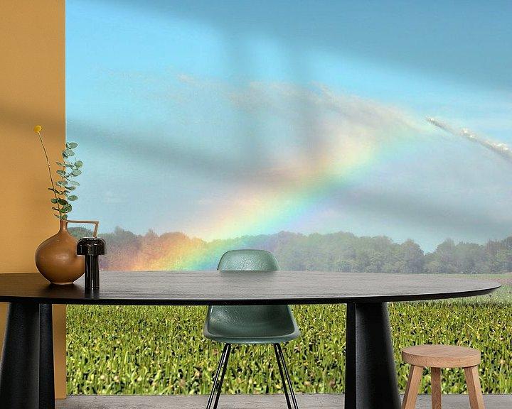 Sfeerimpressie behang: Regenboog door irrigatie veroorzaakt van Ronald Smits