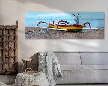 Balineese vissersboot van Roland de Zeeuw fotografie