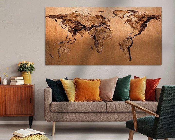 Sfeerimpressie: Bronzen wereldkaart, molaire projectie van Frans Blok