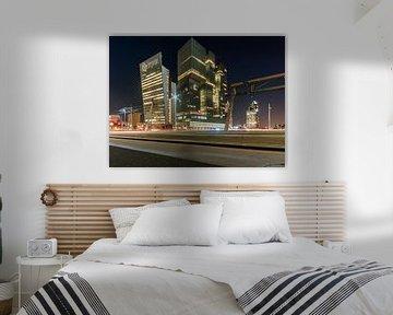 De Rotterdam en de Toren op Zuid op de Wilhelminapier in Rotterdam, gefotografeerd vanaf de Erasmusb van David Pronk