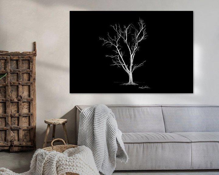 Impression: Grand vieux arbre sans feuilles sur Jan Brons