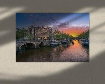 Zonsondergang aan de Brouwersgracht in Amsterdam van Edwin Mooijaart